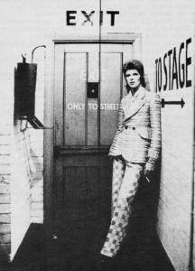 084-david-bowie-theredlist