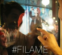 Ο Σάκης Ρουβάς παρουσιάζει το νέo video για το αγαπημένο «Φίλα με»