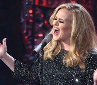 """Η Adele με νέο single""""Water Under the Bridge"""" νέο single"""
