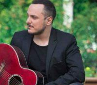 Ο Άκης Δείξιμος με το νέο του single «Ανατροπή»