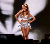 Η Ariana Grande επιστρέφει στο Μάντσεστερ!