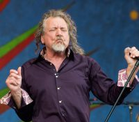 "New Robert Plant, με κάτι από ""Stairway To Heaven""!"
