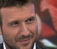 Γιάννης Πλούταρχος ετοιμάζει  το νέο videoClip «Πέρα Απ' Τα Μάτια Μου»