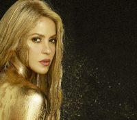 Shakira μόνη στα Χρυσά, σε συνεργασία του «Perro Fiel» με τον Nicky Jam.