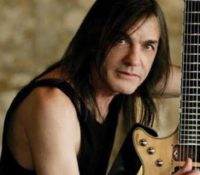AC/DC, ο κιθαρίστας τους Malcolm Young Πέθανε