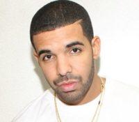 Ο Drake στα ξαφνικά με δύο ολοκαίνουρια τραγούδια.