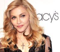 Madonna αυτό το διάστημα ηχογραφεί στο studio