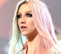 Η Kesha παραδέχεται ότι ήταν «ανόητη» παλαιότερα