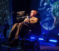Pink Floyd τραγουδούν «Keep Talking» με τη φωνή του Stephen Hawking.
