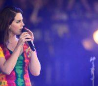 Lana Del Rey επίθεση (αγάπης) στην συναυλία της.