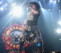 Guns N' Roses το «One In A Million» αποσύρεται σαν ρατσιστικό και ομοφοβίκο τραγούδι
