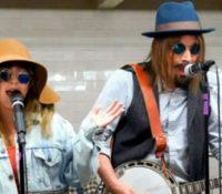 Christina Aguilera και Jimmy Fallon Live στο μετρό της Νέας Υόρκης.