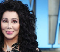 Cher τραγουδά «SOS» των ABBA