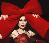 Jessie J και «This Christmas Day» άρχισαν τα χριστουγεννιάτικα….