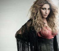 """Έλενα Παπαρίζου """"Κάτι Σκοτεινό"""" νέο Τραγούδι και VideoClip"""