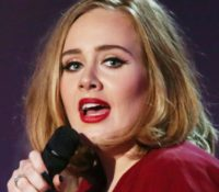 Adele ετοιμάζει νέο single που θα «μιλάει» για το διαζύγιο της.