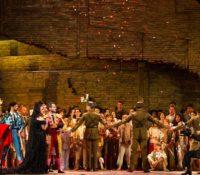 Metropolitan Opera προσφέρει δωρεάν διάσημες παραστάσεις όπερας με internet streaming