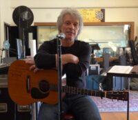 Bon Jovi «Do What You Can» νέο τραγούδι που έγραψαν με τους θαυμαστές τους.