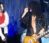 "Slash : ""Ο Michael Jackson ήταν στο έλεος της επιτυχίας του"""