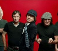 "AC/DC ""Power Up"" Κυκλοφορούν το 17ο studio album τους"